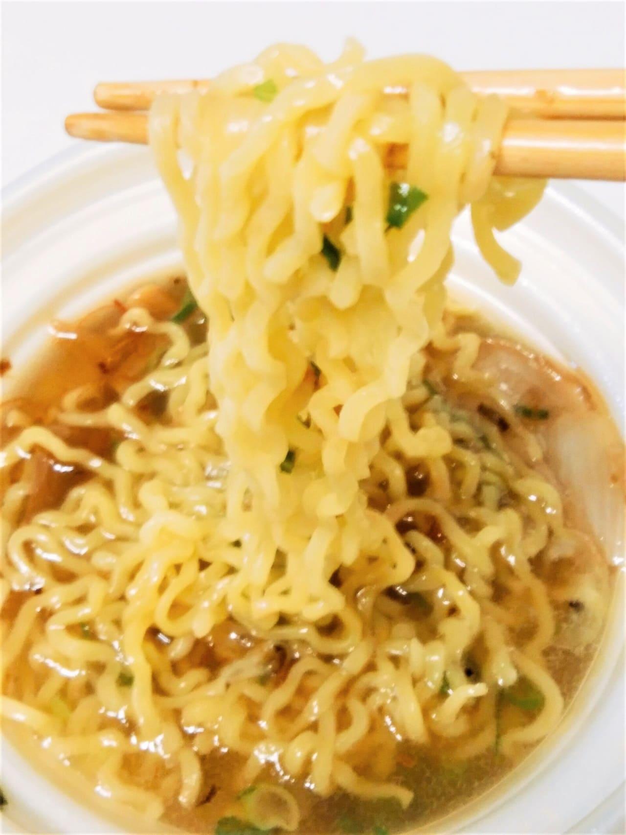 中太麺アップ