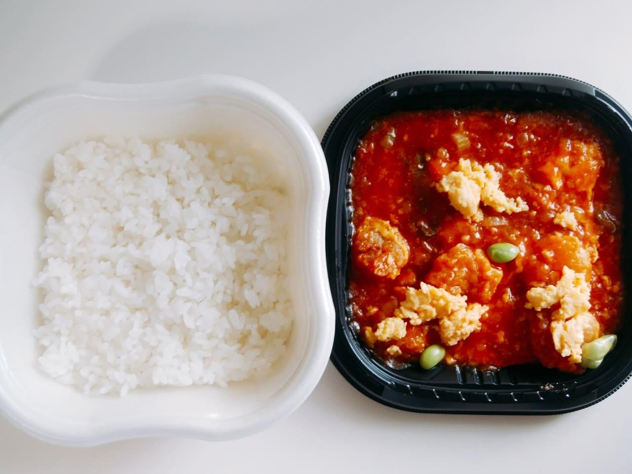 白飯と海老チリに分かれてます