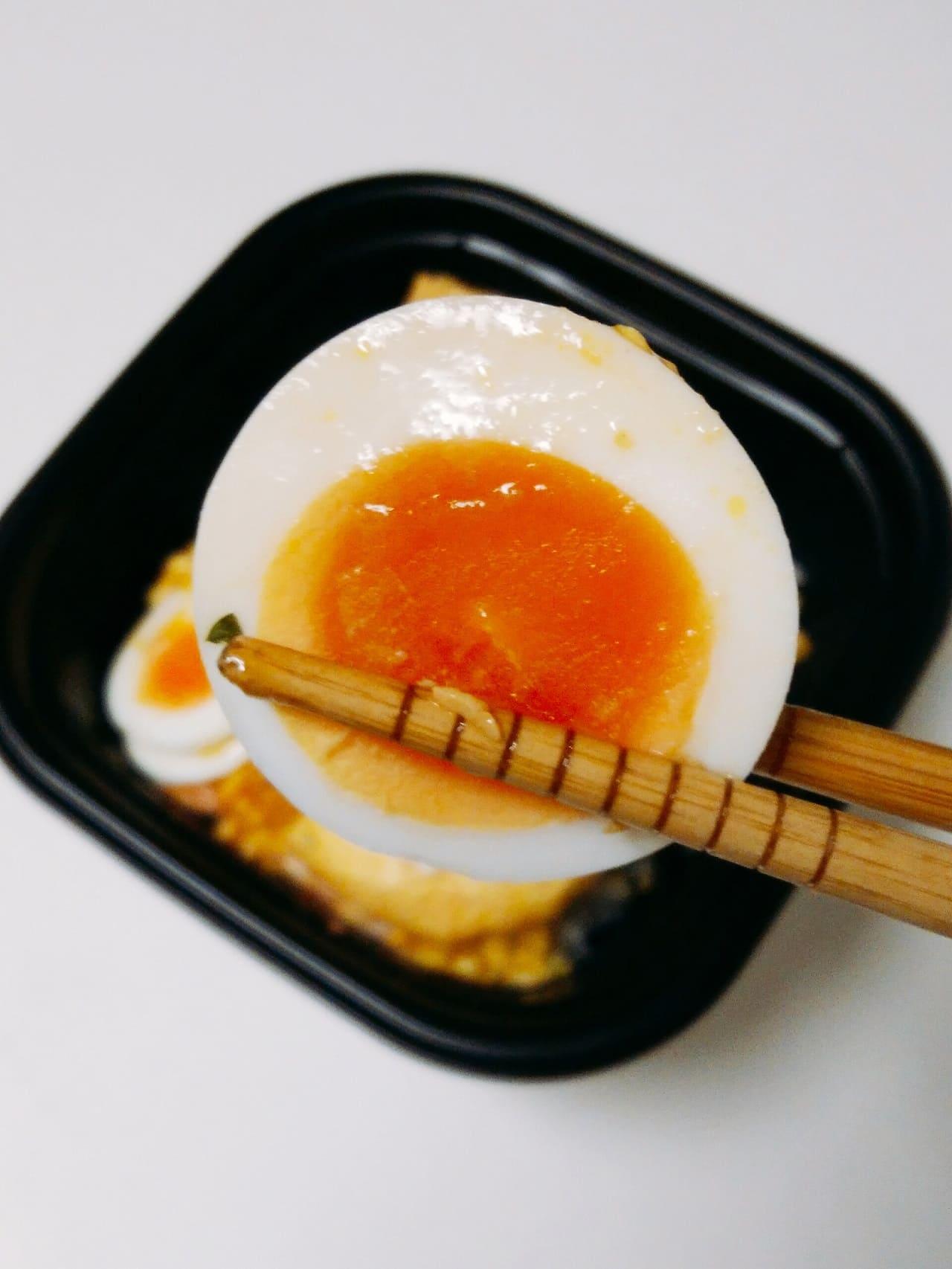 スライスゆで卵のアップ